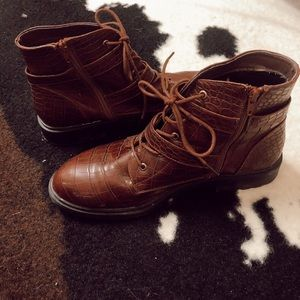JustFab Shoes - Brown boots